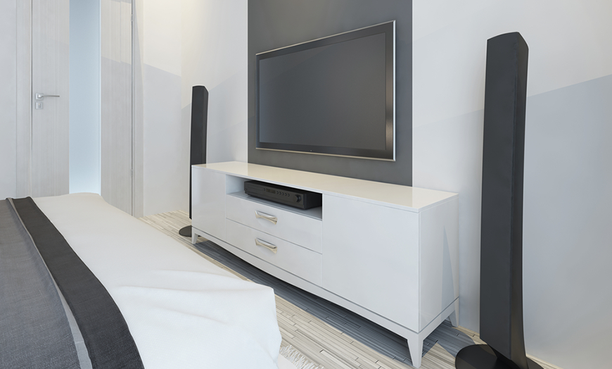 bedroom entertainment centers thehomemag socal. Black Bedroom Furniture Sets. Home Design Ideas